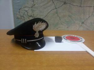 I carabinieri della Compagnia di Iglesias hanno arrestato un disoccupato 53enne. per detenzione di stupefacenti a fini di spaccio e violenza e resistenza a pubblico ufficiale.