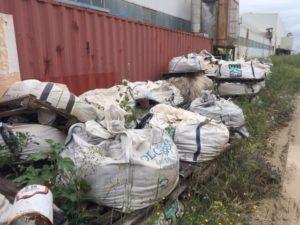 I carabinieri di Guspini hanno sequestrato un'area di 10.000 mq di uno stabilimento di ceramiche, sulla quale sono stati rinvenuti circa 5.000 mc di rifiuti speciali pericolosi, non di derivazione industriale.
