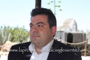 Simone Franceschi, 42 anni, vicesindaco ed assessore tecnico uscente del comune di Iglesias, è il nuovo assessore tecnico del Bilancio, Attività produttive e Turismo del comune di Gonnesa.