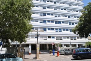 Il vicepresidente del Consiglio regionale, Antonello Peru (Forza Italia), lancia l'allarme sui tagli dei posti letto negli ospedali universitari di Sassari.