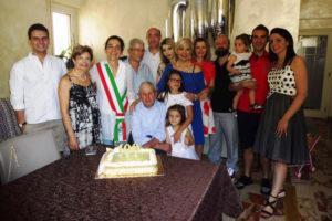 """Raffaele Carmelo """"Rafiellicu"""" Milia è il nuovo centenario di Sant'Antioco."""