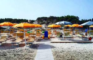 """Le spiagge del Sulcis sono sempre più alla portata di tutti. A Calasetta è nato """"Ca' Du Zènaive"""", stabilimento per pazienti affetti da tutti i tipi di disabilità."""