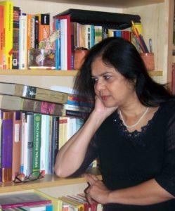 """Domani, al festival """"L'isola dei libri, a Carloforte"""",arriva la scrittrice indiana Urmila Chakraborty."""