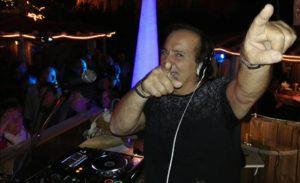 C'è grande attesa per la festa dell'estate algherese con Riccardo Cioni DJ Full Time.
