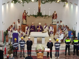 Dopo l'improvvisa scomparsa di don Amilcare Gambella, il vescovo rivolge un appello ai fedeli in attesa della nomina del nuovo parroco.