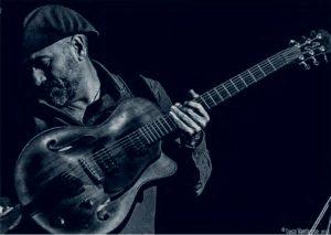 Bebo Ferra in quartetto domani sera al Museo del Costume, alle 21.00, per Nuoro Jazz.