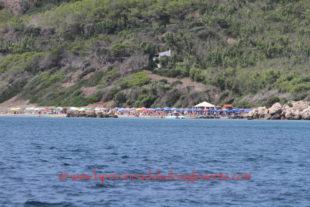 Genti Noa: «Anche quest'anno, i servizi igienici della spiaggia di Coequaddus sono chiusi in piena stagione turistica»