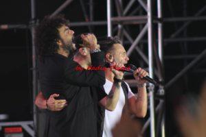 Nek, Max Pezzali e Francesco Renga, esplosione di entusiasmo…energia alle stelle… alla Fiera di Cagliari, lo scorso 28 luglio.