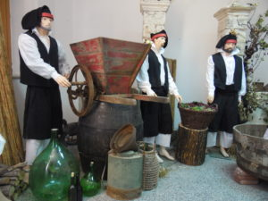 Paringianu ai tempi della vendemmia in una mostra allestita dall'associazione culturale Sardinian Events e dal Circolo ANSPI San Giuseppe di Paringianu.