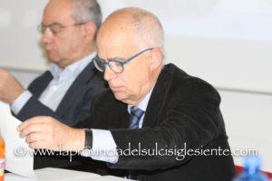 L'ex coordinatore del Piano Sulcis Tore Cherchi è durissimo sui programmi dell'Enel che prevedono il «gas dappertutto, fuorché in Sardegna».
