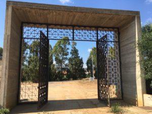 E' in fase avanzata, a Carbonia, la costruzione di 180 nuovi loculi ubicati nel cimitero nuovo di Medadeddu.