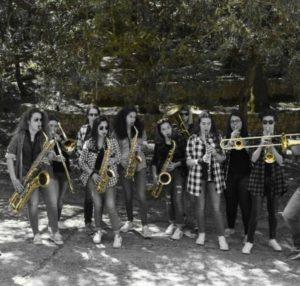 Anteprima del 21° festival Forma e Poesia nel Jazz, domani sera, a Cagliari, parata musicale con la Crazy Ramblers Hot Jazz Orchestra e la Big River Marching Band.