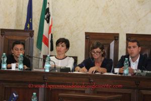 L'assenza dell'assessore regionale della Sanità ha condizionato, ieri sera, il dibattito del Consiglio comunale di Iglesias.