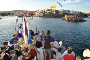 Stintino comunità che genera bellezza, ha festeggiato la ricorrenza per la patrona Beata Vergine della Difesa.