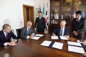 Sono stati siglati oggi a Villa Devoto due protocolli d'intesa tra la Regione e le società Accenture ed Avanade.