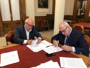 Firmato oggi a Sassari un accordo Regione-ABI che faciliterà l'accesso per le Piccole e Medie Imprese agli aiuti in conto interessi sui prestiti ad ammortamento quinquennale, a tasso agevolato.