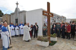 Questa mattina la nuova cappella del cimitero di Stintino è stata intitolata al Cristo Risorto.