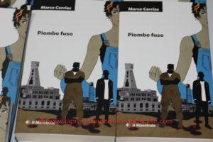 """Marco Corrias, giornalista in pensione, attualmente sindaco di Fluminimaggiore, ha presentato ieri a Carbonia l'ultimo suo libro: """"Piombo fuso""""."""