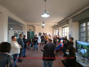Un doppio appuntamento, una mostra ed un concerto, proposti per la prima volta al pubblico isolano, hanno caratterizzato ieri l'anteprima della 9ª edizione del Carbonia Film Festival.