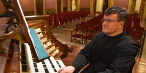 """L'organista svizzero Theo Flury è l'ospite d'eccezione atteso venerdì 12 ottobre per la """"Settimana organistica"""", al Festival organistico del Conservatorio."""
