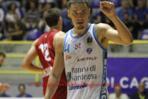 La Dinamo non si ferma più, vince anche a Cantù, 97 a 88, e chiude il girone d'andata al sesto posto, qualificata per le Final Eight di Coppa Italia.