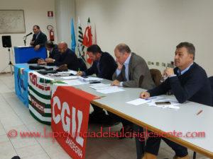 Questa mattina la sala riunioni del Consorzio industriale di Portovesme ha ospitato un'assemblea dei quadri di CGIL, CISL e UIL.