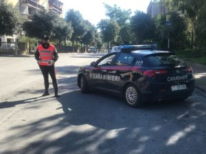 I carabinieri della Compagnia di Carbonia sono stati impegnati, durante questo fine settimana, in servizi mirati al contrasto dello spaccio e del consumo di droga ed alla ricerca di armi.