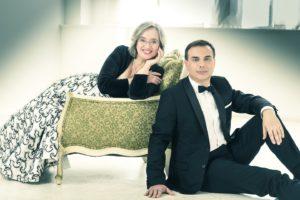 Domenica a Iglesias, per il XX Festival internazionale di Musica da Camera, viaggio musicale nell'Europa dell'800 con il duo pianistico formato da Carles Lama e Sofia Cabruja.