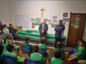 Gli artigiani di Confartigianato Sud Sardegna hanno donato un defibrillatore all'Oratorio della Parrocchia Madre della Chiesa di Frutti d'Oro, a Capoterra.
