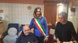 San Giovanni Suergiu ha festeggiato oggi ancora una volta Eraldo Secchi, il suo nonnino ultracentenario, che ha raggiunto il traguardo dei 102 anni.