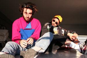 """Il duo LE ORE (Francesco e Matteo) presenta il suo terzo brano dal titolo """"La Mia Felpa È Come Me""""."""
