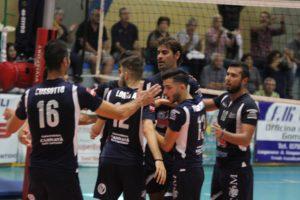 Ancora una sconfitta, per la VBA/Olimpia Sant'Antioco, nel derby casalingo con la Pallavolo Sarroch: 0 a 3 (21 a 25, 20 a 25, 21 a 25).