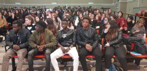 Kallil Ibrahim Kone: «Avvicinatevi alle persone indipendentemente dal colore della pelle. Cercate di conoscerle, da lontano è difficile capire se chi ci sta di fronte sia buono o cattivo».