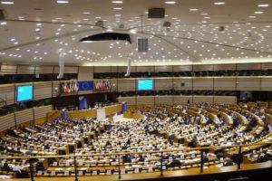 Torna l'attenzione sulle isole nell'aula del Comitato delle Regioni, che si è riunito in seduta plenaria ieri e oggi a Bruxelles, nell'emiciclo del Parlamento europeo.