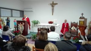 L'arcivescovo di Sassari ha celebrato giovedì sera la festa dedicata a Santa Lucia, la patrona della Clinica oculistica, all'Aou di Sassari.