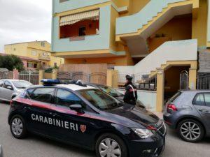 A Sestu, fingendosi poliziotti, due uomini hanno rapinato un 45enne che, una volta resosi conto dell'accaduto, ha denunciato il fatto al 112.