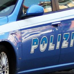 La Polizia di Stato, a Cagliari, ha arrestato un giovane per maltrattamenti in famiglia e denunciato un 40enne per minacce