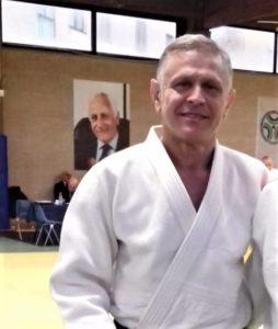 Giovedì 20 dicembre, Stefano Urgeghe, maestro del centro sportivo Guido Sieni di Sassari, riceverà la cintura sesto dan.