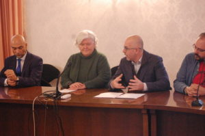 Sono stati presentati stamane, a Cagliari, i cinque corsi di laurea triennale istituiti nella sede dell'ex provincia di Carbonia Iglesias, in via Fertilia, a Carbonia.