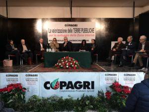 """Grande partecipazione di pubblico e delle istituzioni, al convegno """"La valorizzazione delle terre pubbliche per lo sviluppo delle aree interne"""", organizzato dalla Copagri Sardegna."""