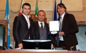 Nel giorno del suo 40esimo compleanno Daniele Conti è stato premiato dal comune di Cagliari per l'attaccamento dimostrato alla squadra e alla città.