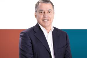 """Andrea Frailis, 62 anni, giornalista e volto storico di Videolina da oltre 40 anni, candidato della lista """"Progressisti di Sardegna"""", è il nuovo deputato del Collegio di Cagliari."""