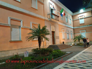 Venerdì 8 marzo, la sala consiliare del comune di Sant'Antioco ospiterà uno spettacolo teatrale.