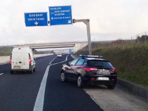 I carabinieri di Sanluri hanno arrestato due giovani di Alghero, per detenzione ai fini di spaccio di sostanze stupefacenti.