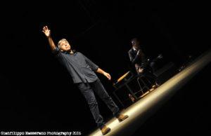 """Minitour in Lombardia per""""Laribiancos"""", produzione storica di Cada Die Teatro, tratta dal romanzo """"Quelli dalle labbra bianche"""" di Francesco Masala."""