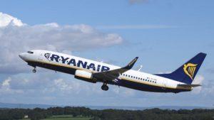 """Ryanair: nuove assunzioni di assistenti di volo nel 2019. Tornano i """"Recruitment Days"""" della grande compagnia aerea."""