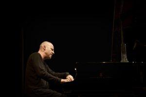 Lunedì in vendita i biglietti per il concerto di piano solo di Stefano Battaglia, in programma sabato 23 ad Alghero, per la rassegna JazzAlguer.