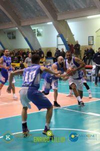 Basket: in serie C l'Automek Calasetta è tornata al successo contro l'Olimpia Cagliari, 98 a 86; in serie D, la Sulcispes ha vinto anche il derby di ritorno con la Scuola Basket Miners Carbonia: 79 a 62.