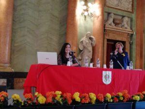 """A Como, la giornalista Federica Ginesu, su invito dei Circoli """"Sardegna"""" di Como e """"Amsicora"""" di Lecco, ha ricordato alcune donne speciali che hanno dato lustro alla Sardegna."""