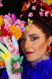 Il make-up artist Samuele Caredda e la showgirl Rossella Reginaomaggiano l'arrivo della Primavera.